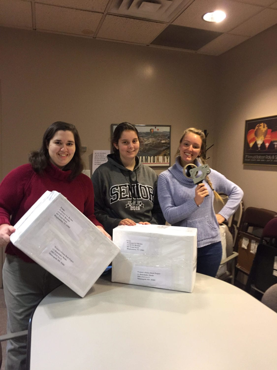 Women's Discussion Group Student Club Collaborates with Phi Theta Kappa Honor Society to Donate Books to Women's Prison Book Project